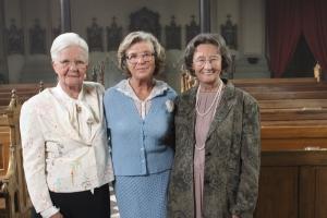 """Hildegard Schmahl, Jutta Speidel und Gertrud Roll bei den Dreharbeiten zu """"Wir sind doch Schwestern"""""""