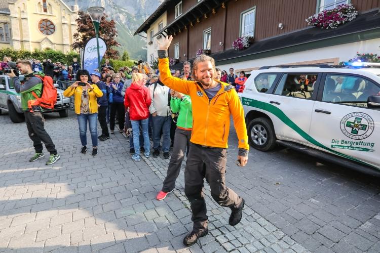 Sebastian Störbel bei der 6. orignal Fanwanderung in Ramsau am Dachstein