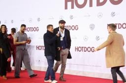 "Til Schweiger filmt Timur Bartels bei der ""Hot Dog"" Premiere in Berlin"