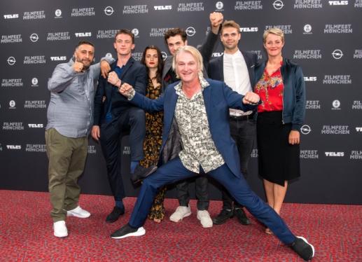"""Cast & Crew von """"Asphaltgorillas"""" feiern auf dem Filmfest in München Weltpremiere"""