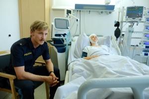 """Albrecht Schuch und Lilli Biedermann in """"Der Polizist und das Mädchen"""""""