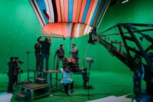 """David Kross und Friedrich Mücke bei den Dreharbeiten von Bully Herbigs neuem Film """"Ballon"""""""