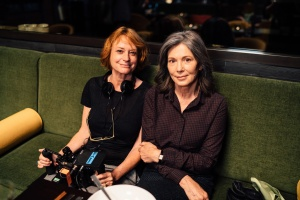 """Nina Grosse und Iris Berben während der Dreharbeiten zu """"Die Protokollantin"""""""