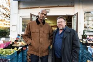 Tedros Teclebrhan und Armin Rohde in