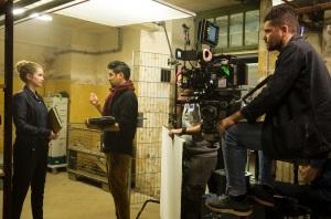 """Cornelia Gröschel mit Regisseur Alex Eslam und Kameramann Carlo Jelavic bei den Dreharbeiten zu """"Tatort - Das Nest"""""""