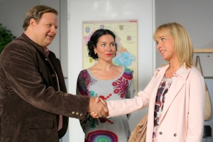 """Michael A. Grimm, Marisa Burger und Katharina Abt in """"Die Rosenheim-Cops"""""""
